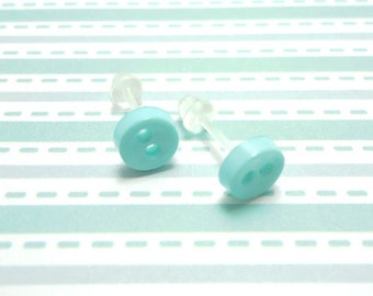Pastel Green Stud Earrings Pale Green Color Mini Buttons Metal Free Acrylic Hypoallergenic Posts Sensitive Ears Kawaii Earrings Zero Metal