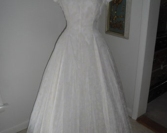 Vintage Wedding Dress 1940s Vintage Creamy White Flocked Nylon Dress  38 Bust Wedding Gown Graduation Dress Garden Party