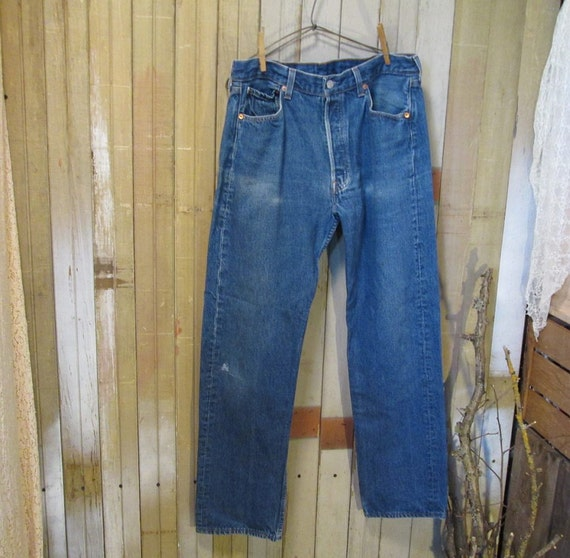 Vintage 501 Levis Blue denim jeans neat fade marks button fly 34 32