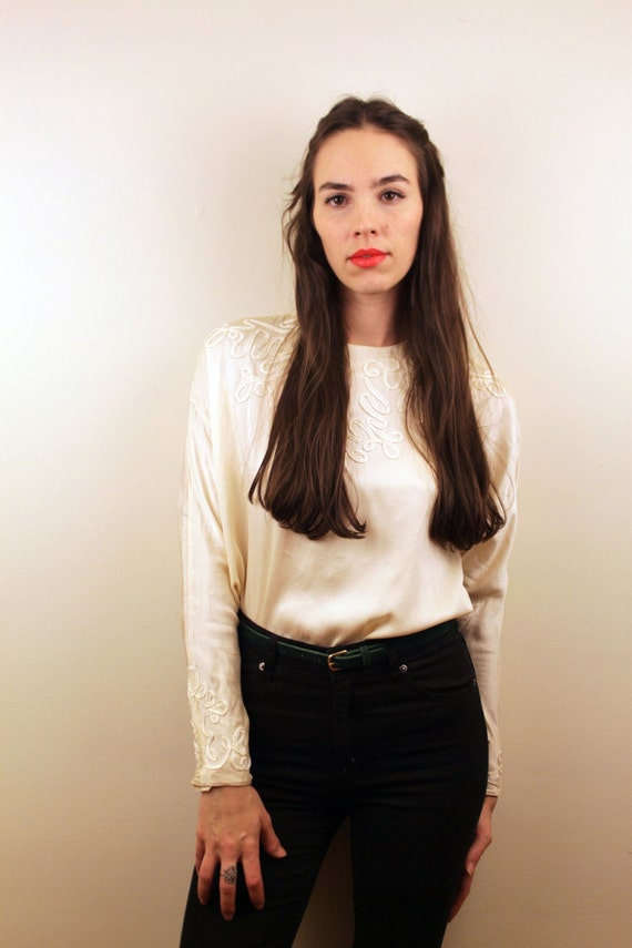 1980s Ivory SILK Buttons Blouse Size S
