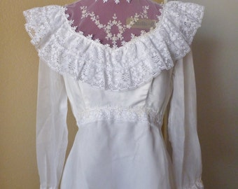 vintage 80's ruffled wedding dress. Mermaid hem style size M