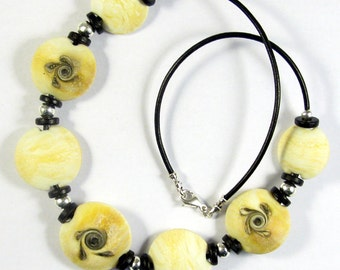 Swirled Ivory Lampwork Glass Bead Necklace SRA