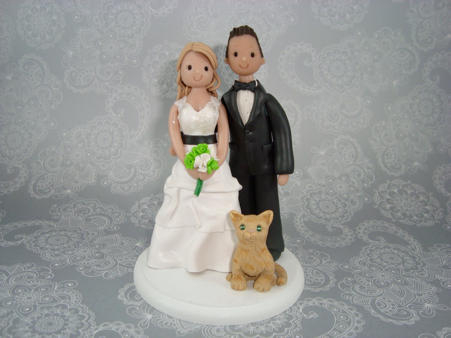 Customized Bride & Groom With A Fat Cat Wedding Cake By