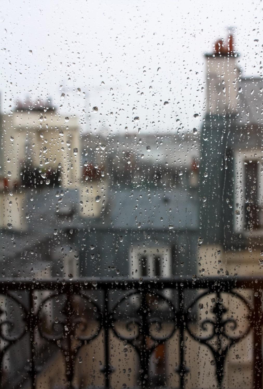 paris photography paris in the rain rainy day in paris. Black Bedroom Furniture Sets. Home Design Ideas