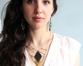 Lace necklace - Vendetta - Black or white, with brass