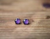 Purple tiny stud earrings - Ear posts - Rustic style - Ranunculus (E134)