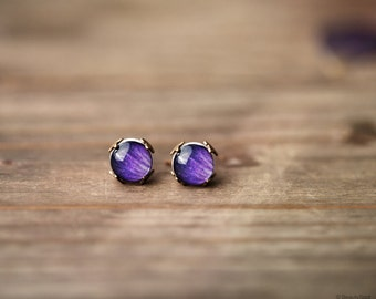 Purple stud earrings - Tiny stud earrings - Flower stud earrings - Purple earrings - Rustic stud earrings - Ranunculus jewelry (E134)