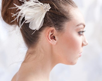 Feather fascinator, bridal headpiece, feather hair comb, bridal - style 1109