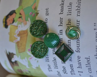 5 Vintage Green Glass Buttons - Green with Envy - Antique Glass Buttons - Emerald Green Buttons - Costumakers -