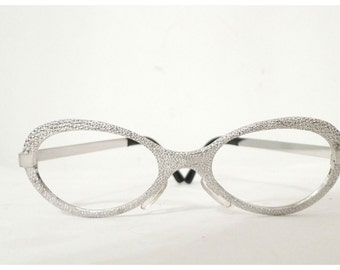 Vintage NOS Mod Metal Silvertone Eyeglasses Frames /  Pebbled. Rocket Girl. Fellini Film. Metallic. Shimmer.
