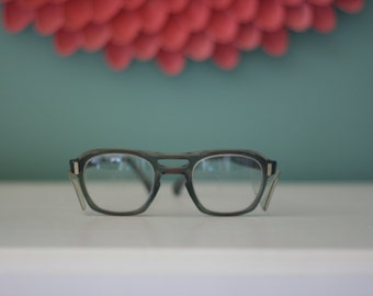 Vintage AO American Optical Flexi Fit Z87 Eye Glasses with Protective Side Flaps