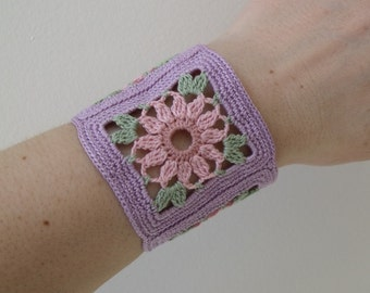 Invasion of the Granny Square - a Crochet Bracelet or Cuff with Flowers