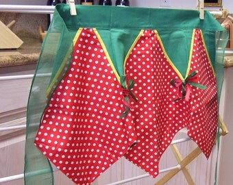 VINTAGE APRON Hand Made 1960s