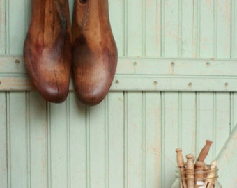Vintage Decor Mens Pair Rustic Vintage Wooden Shoe Last - Mad Men - Father's Dad's Photo Prop Display