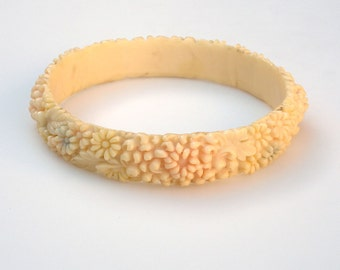 VIntage Molded Cream Celluloid Bracelet with Chrysanthemums