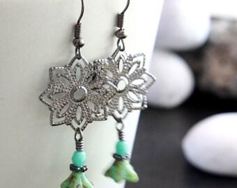 Green Flower Czech Earrings - A.910