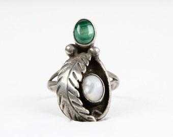 c1970's Vintage Oversized Sterling Silver Malachite & Mother of Pearl Ring