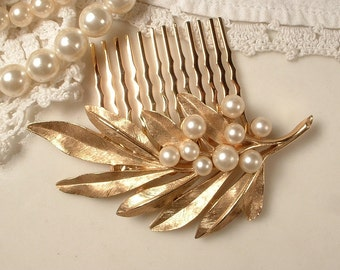 Vintage TRIFARI Ivory Pearl Brushed Gold Leaf Bridal Hair Comb, Rose Gold Brooch to Head Piece, Rustic Wedding, Country Chic, Woodland