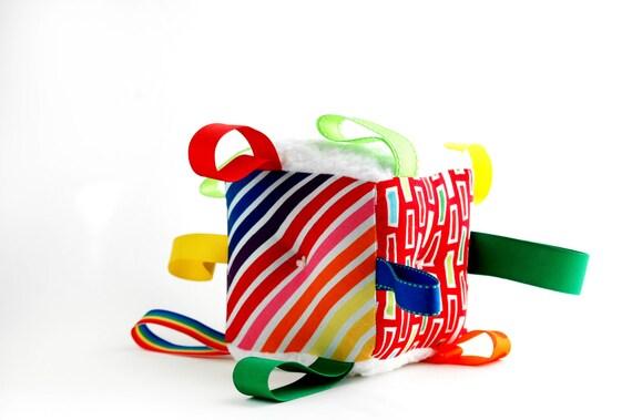 Rainbow Baby Block Plush Sensory Toy // Shower Gift // Rattle, Ribbons // Red, Blue, Yellow, Green // Baby Boy Gift // Soft Fabric Block