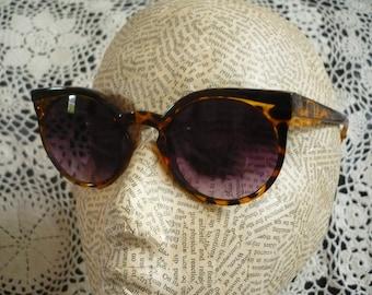 Cats Eye Sunglasses Rockabilly 1950's Style Retro Sunglasses