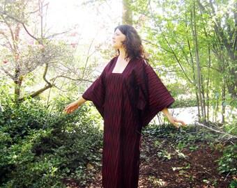 vintage silk  Kimono dress dark red and black 40s M