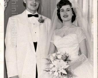 Digital Download, Vintage Photo, Black & White Photo, Bride and Groom, June Bride, Traditional Wedding, Wedding Photo, Printable Photo