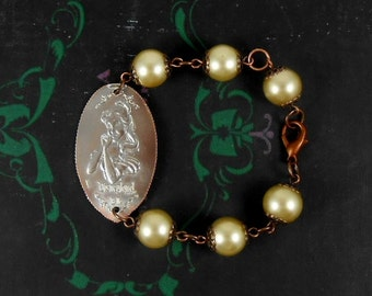 Disney - BELLE Beauty and the Beast Gold Pearl Bracelet - Smashed Quarter