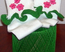 Kids Size 6 - 11 Hot Pink Flowers on Green Crocheted Ruffle Trim Socks - 3 to 5 Years