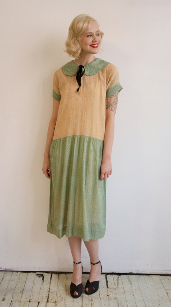 RESERVED // 1920s Dress // vintage 20s day dress // Just Like