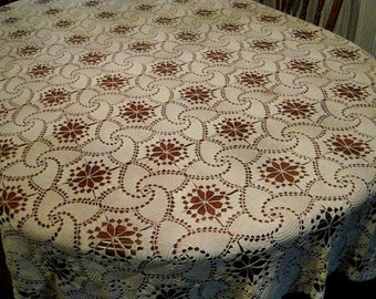 tablecloth large Thanksgiving Christmas Vintage Lace Hand Crochet holidays decorating gift giving protect your wood dinner table unique lace