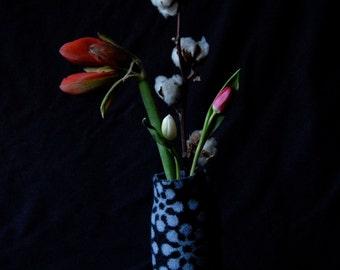 knitted bottle cover BLOOM-black-
