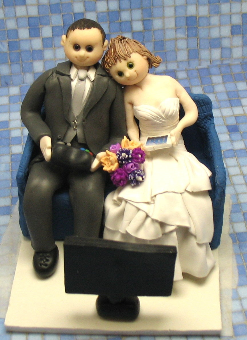 video game wedding cake toppers wedding cake topper and by mandmclaycreations 21592