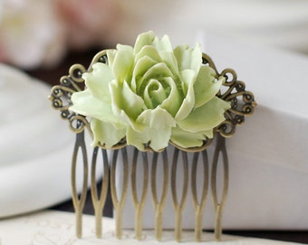 Green Flower Hair Comb. Vintage Inspired Antique Brass Art Nouveau Filigree Hair Comb. Bridal Wedding Comb. Green Wedding Comb