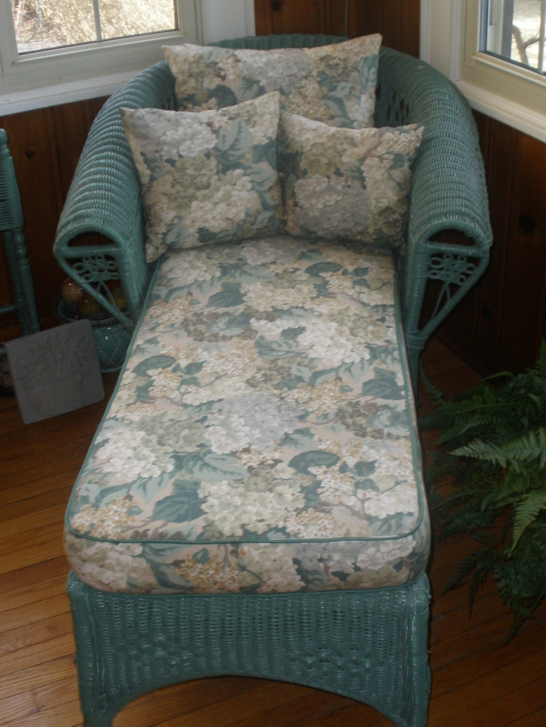 Reserved wicker chaise lounge with cushion pillows wicker for Black wicker chaise lounge