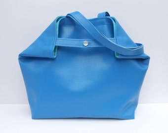 Oh So Vogue Large Tote or Purse in DAZZLING BLUE