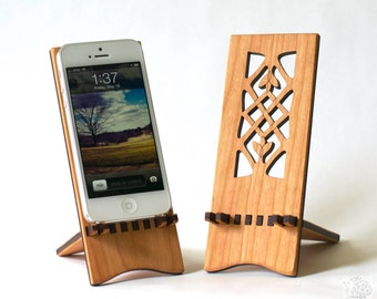 Docking Stand - iPhone 5, iPhone 6, iPhone 6 plus - Celtic