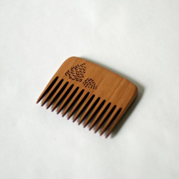 Wood Pocket Comb - Pine Cone