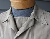 vintage 40's Men's long sleeve Motorcycle shirt. Khaki twill. Bib - Gauntlet webbing - Side seam gussets. Medium