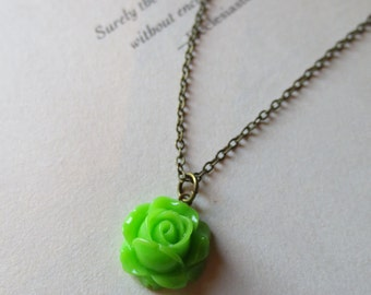 Green rose necklace- Tiny rose necklace- Vintage style rose necklace- Green necklace- Flower necklace- Dainty rose necklace- Shabby chic