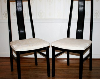 Pair of Vintage Modern Hollywood Regency High Gloss Black Lacquered Tall Back Italian Dining Side Chair
