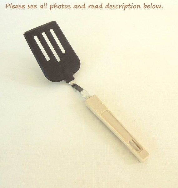 Short Handle Spatula Nylon Plastic Metal As Is 80s Kitchen