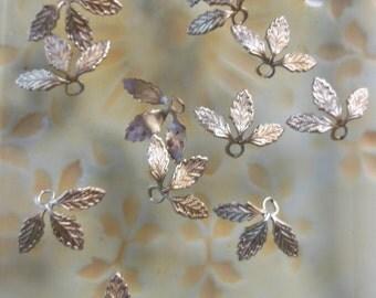 Triple Leaf Bead (6 pc)