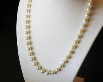Vintage Faux Pearl Plastic Bead Necklace