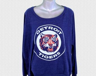 Vintage 80's Detroit Tigers Logo // triblend indigo womens american apparel raglan pullover