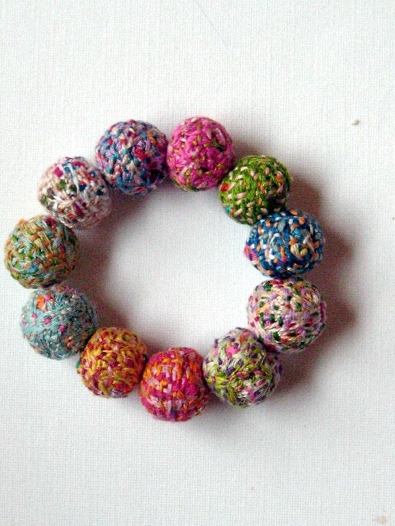 Embroidery thread and bead bracelet makaroka
