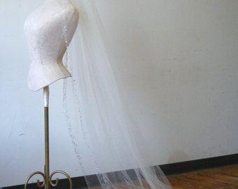 Veil Pretty, Chapel length with crystals along clean edge