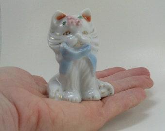 Vintage Ceramic Cat Figurine - White Kitty Figurine - Made in Japan Ceramic Cat