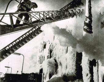 Icy Fire, Minneapolis, Minnesota, 1978 Original Vintage Glossy Newspaper Photograph, AP Wire