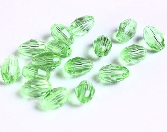 6mm x 4mm Green rice glass bead - faceted glass beads - Oval glass beads - 16 pieces (1101) - Flat rate shipping