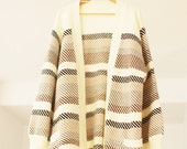 SALE    Vintage Cream and Brown Oversized Cardigan Large